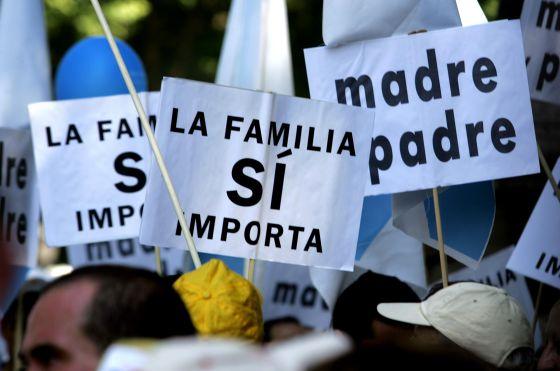 Manifestación contra el matrimonio entre homosexuales en 2005.