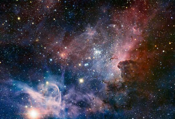 La nebulosa Carina, un panorama de gas, polvo y estrellas, vista en infrarrojo por el telescopio VLT, en Chile.