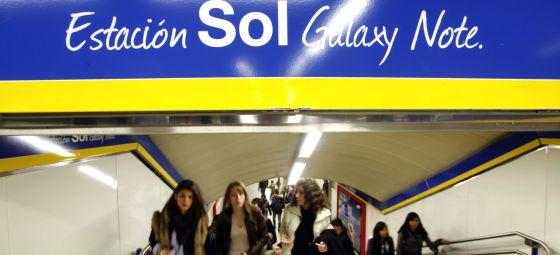 El patrocinio llega incluso a las estaciones de metro, como la de Sol, de Madrid.  Samuel Sánchez