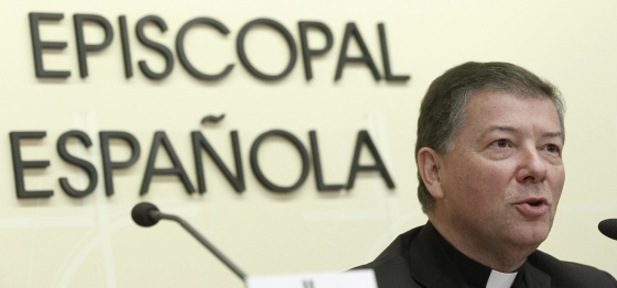 El obispo auxiliar de Madrid, Juan Antonio Martínez durante la rueda de prensa.