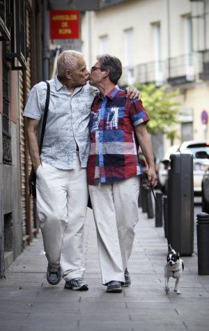 Carlos Baturín y Emilio Menéndez, primer matrimonio gay.
