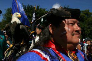 Un indio estadounidense en un acto oficial celebrado en Washington.