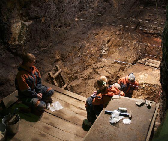 Excavaciones del yacimiento de Denisova en el sur de Siberia.