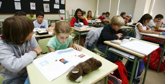 Clase de ciencias en el colegio López Ferreiro de Santiago de Compostela.