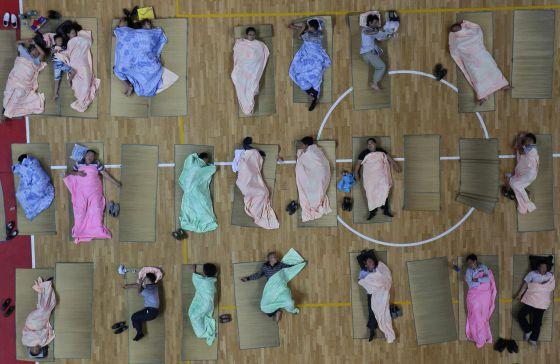Una técnica de sueño consiste en dormir seis siestas de 20 minutos cada una al día.  Darley Shen (Reuters)