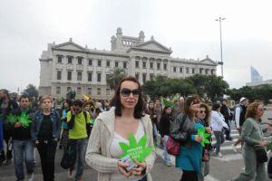 Marcha prolegalización del cannabis, frente al Parlamento uruguayo, en mayo pasado.