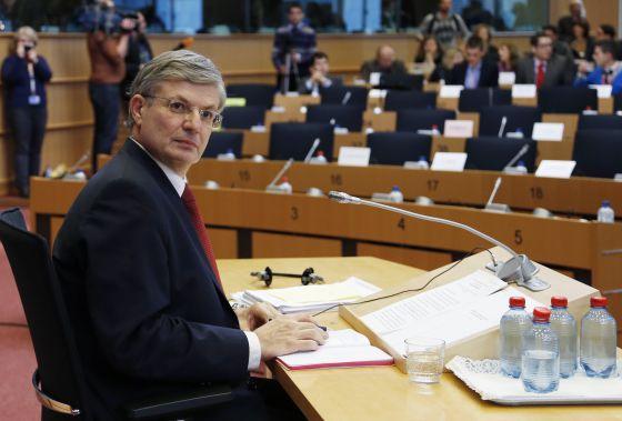 Tonio Borg, ayer antes de su comparecencia en el Parlamento Europeo.