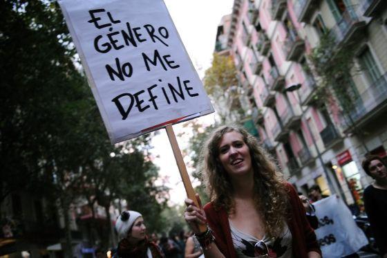 Marcha de transexuales en Barcelona en octubre de 2012.