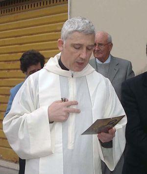 El sacerdote Piero Corsi.