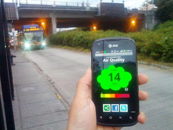 El sistema CitiSense envía los datos de calidad del aire al teléfono móvil.