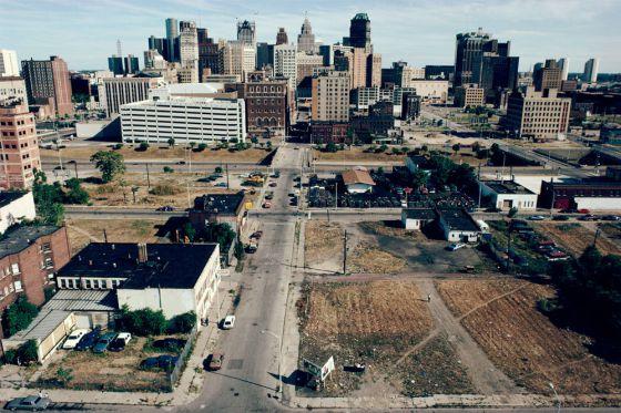 En el centro de Detroit (en la imagen en 1991) se han demolido en los últimos años grandes edificios que fueron míticos.rn