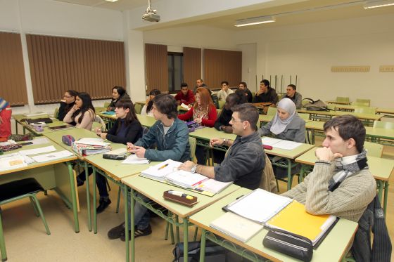 Alumnos de la escuela de adultos Borja Moll, de Inca (Mallorca).