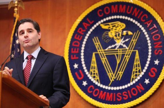 Julius Genachowsky, presidente de la Comisión Federal de Comunicaciones de EE UU