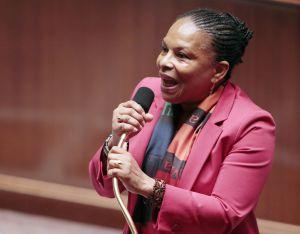 La ministra de Justicia francesa, Christiane Taubira, defiende el matrimonio gay en la Asamblea.