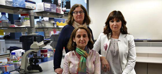 Ponce (derecha), con las investigadoras Burks y González.