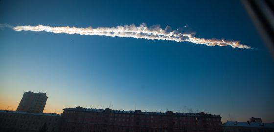 El rastro del paso del asteoide sobre Chelyabinsk el pasado 15 de febrero.