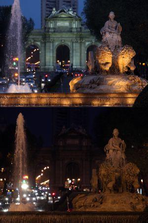 La Cibeles y la Puerta de Alcalá de Madrid, con iluminación y sin ella el año pasado.