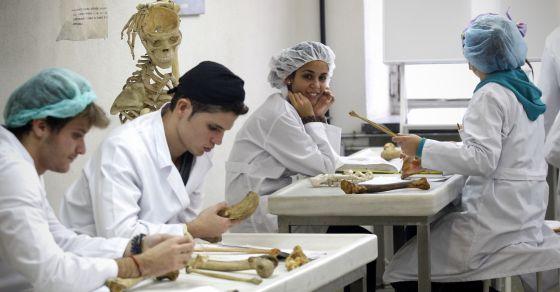 Alumnos de Medicina de la Universidad Complutense.