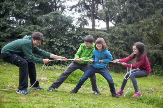 Niños jugando.