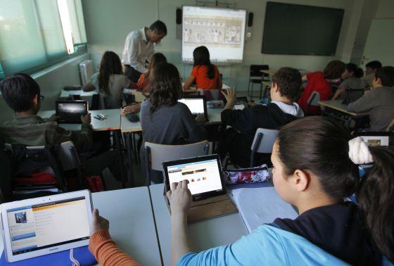 Clase de primero de ESO del instituto público Santamarca, de Madrid, donde está en marcha el proyecto iDEA.