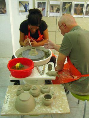 Susanna Girolamo durante su curso de cerámica en Barcelona.