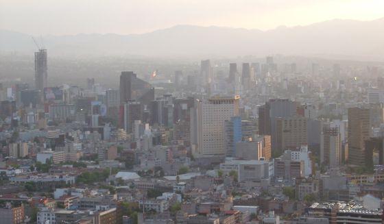 La capital mexicana anuncia medidas drásticas para enfrentar la crisis de 'smog'