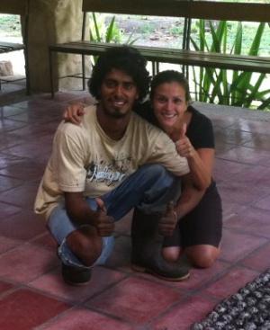 El fallecido Jairo Mora y su amiga Vanessa.