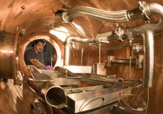 Ensayos técnicos de equipos necesarios para el Acelerador Lineal Internacional ILC.rn