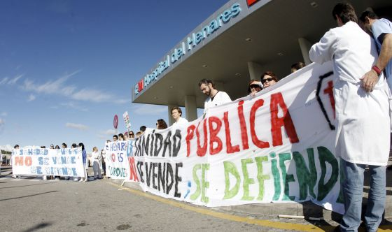 La privatización sanitaria se embrolla en Madrid