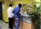El seguro sanitario para 'sin papeles' costará 60 o 157 euros al mes