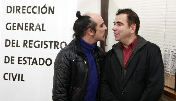 Matrimonio In Extremis : La primera boda gay de uruguay se ha celebrado in extremis