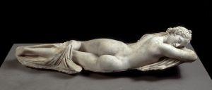 La escultura 'Hermafrodita durmiente' muestra que la intersexualidad se conoce desde la Antigüedad.