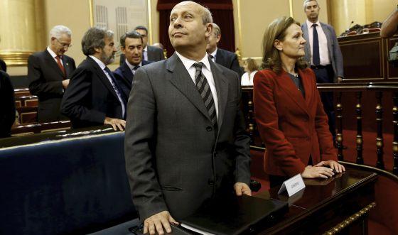 José Ignacio Wert, junto a la secretaria de Estado de Educación, Montserrat Gomendio, ayer en el Senado
