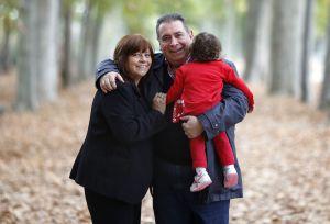 Elsa y Juan con su hija Cayetana.