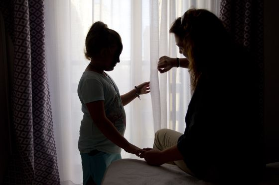 Los menores transexuales suelen sufrir rechazo en el colegio.