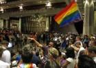 Hawaii, bandera de la lucha gay, legaliza el matrimonio homosexual