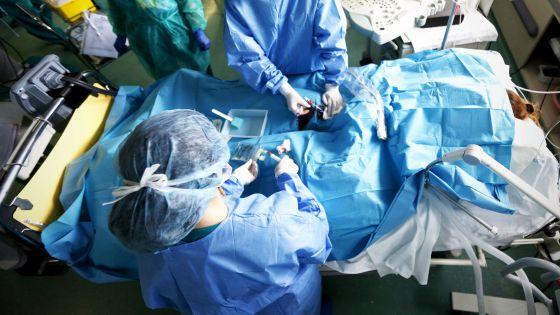 Unidad de Cuidados Intensivos (UCI) del hospital 12 de Octubre de Madrid.