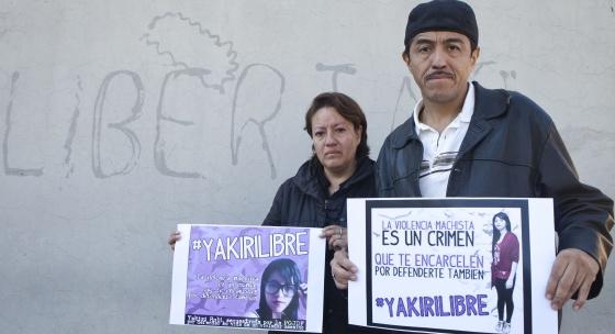 Los padres de la joven encarcelada este martes.