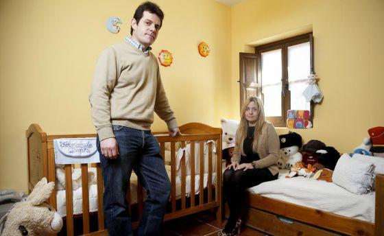 """""""Hemos perdido a nuestro niño por culpa de la burocracia"""" 1393616320_329103_1393617385_noticia_normal"""