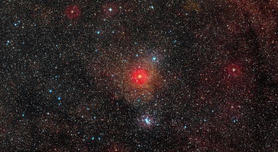 Descubierta una estrella hipergigante