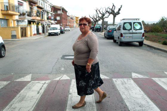 A Isabel Martínez la operaron de cadera por la privada por las listas de espera.
