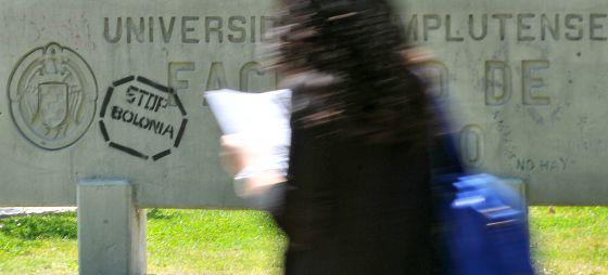 Carteles contra el proceso de Bolonia de homologación de la educación superior española a la de los países de la UE