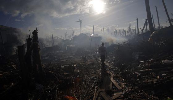 El municipio filipino de Tolosa tras el paso del tifón Haiyan.