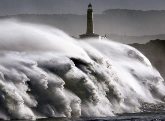 Los científicos urgen a España a reforzar su defensa frente al mar