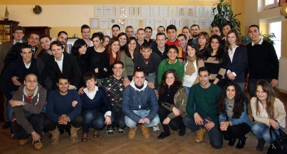 Grupo de jóvenes españoles en las pruebas de selección para las prácticas en Alemania el pasado 10 de febrero.