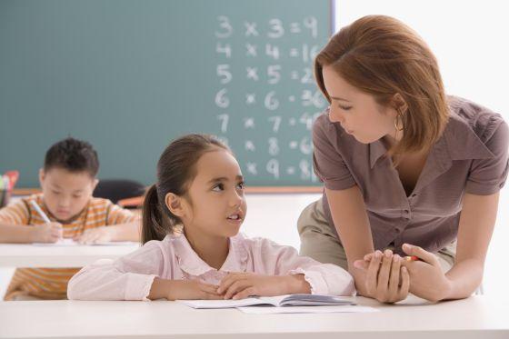Los maestros requieren habilidades psicopedagógicas para atender las necesidades de los alumnos. / Getty