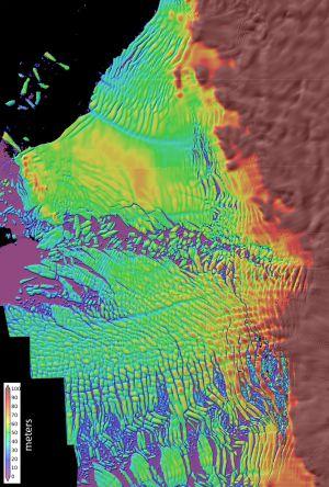 Mapa en alta resolución del adelgazamiento de la capa de hielo en el glaciar Thwaites en la Antártida.