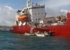 Un buque de carga encallado hace saltar las alarmas en Galápagos