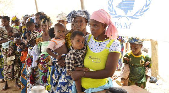 Malienses desplazados por la hambruna en un campamento de Burkina Faso en 2012.