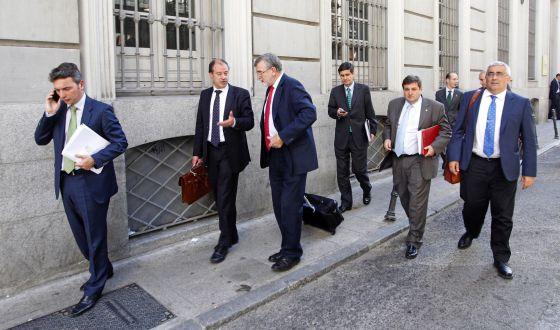 Rectores de las universidades españolas tras dar plantón al ministro de Educación, José Ignacio Wert, en mayo de 2012.